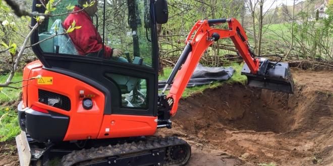 Minibager: pomocník nielen na kopanie záhradných jazierok